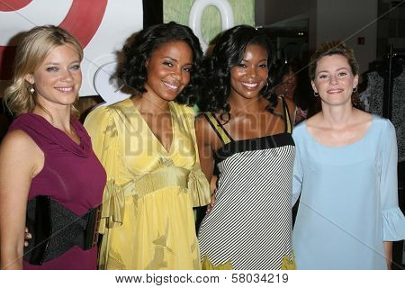 Amy Smart and Sanaa Lathan with Gabrielle Union and Elizabeth Banks  at the Rogan For Target Debut at Barneys New York. Barneys New York, Beverly Hills, CA. 05-15-08