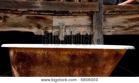 Rusty outdoor bathtub
