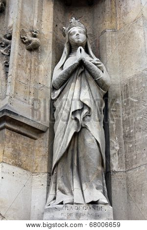 PARIS, FRANCE - NOV 11, 2012: Saint Radegund statue, Church of St-Germain-l'Auxerr ois founded in the 7th century, was rebuilt many times over several centuries.