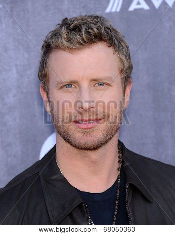 LOS ANGELES - APR 06:  Dierks Bentley arrives to the 49th Annual Academy of Country Music Awards   on April 06, 2014 in Las Vegas, NV.