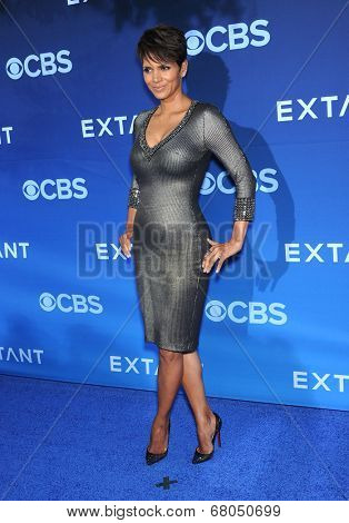 LOS ANGELES - JUN 06:  Halle Berry arrives to the 'Extant' Premiere Party  on June 06, 2014 in Los Angeles, CA