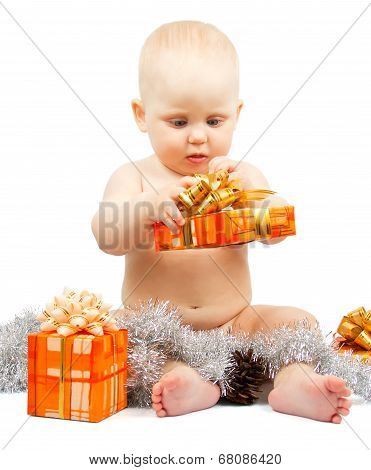 Cute baby develops christmas gift box