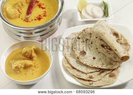 Indian Food: Kadhi with gatte and chapatti or roti.
