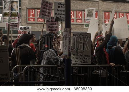 Protest for Jewish outrage at Zionist attacks in Palestine