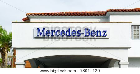 Mercedes-benz Automobile Dealership Sign