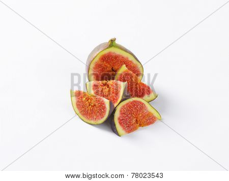 freshly portioned fig with red pulp