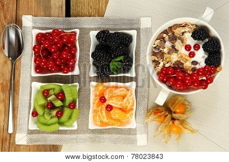 healthy breakfast with corn flakes and fruits