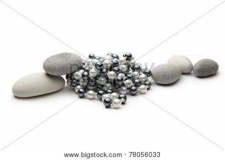 String Of Black And White Pearls And Stones