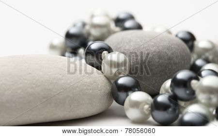 String Of Black And White Pearls With Stones