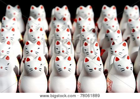 Mini fox statues