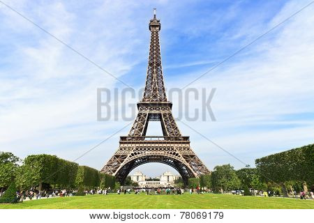 Beautiful photo of the Eiffel Tower