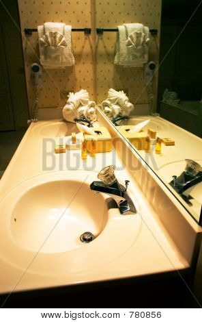 Mirror and double sinks