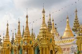 pic of yangon  - The Shwedagon Pagoda - JPG