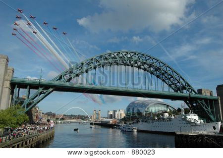 Tyne Bridge Red Arrows