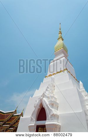 Wat Pratat Choeng Chum, Ancient Temple in Sakonnakorn, Thailand.