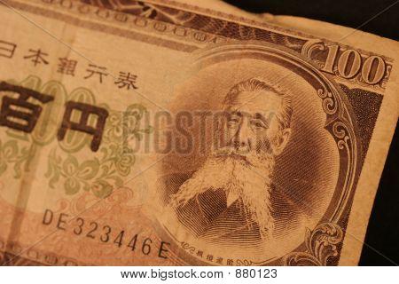 Yen Close Up