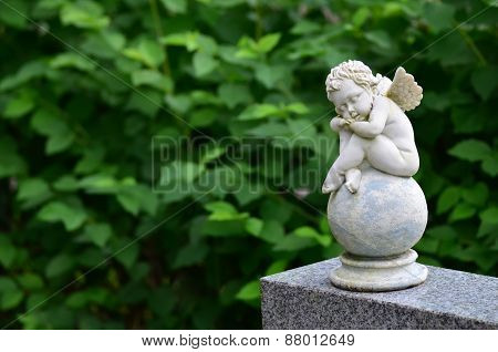 Child angel statue II