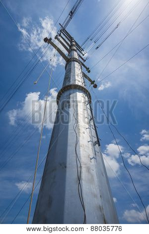 Conductor Stringing On Transmission Monopole Tower