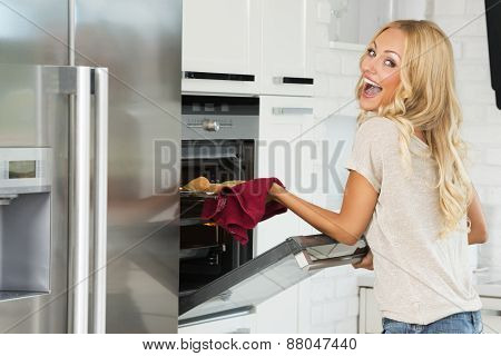 Happy Face Commercial Girl Cooking