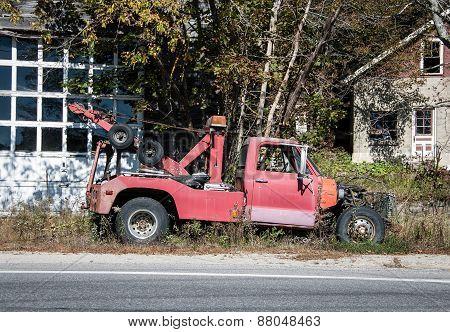 rundown tow truck