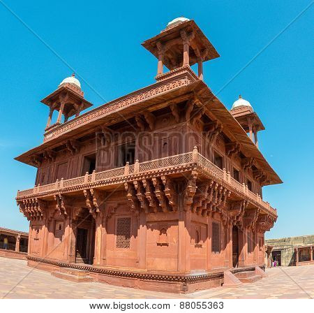 Diwan-i-Khas  Hall of Private Audience, Fatehpur Sikri, India