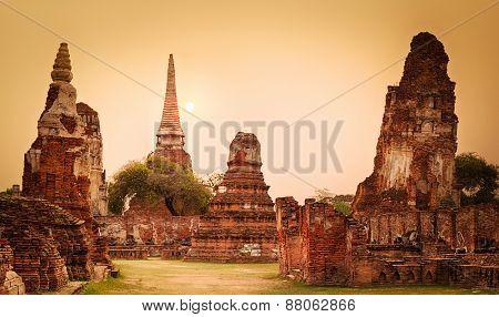 Sunset in Wat Mahatat. Ayutthaya historical park. Panorama