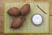 pic of vanilla  - Three whole coconuts - JPG