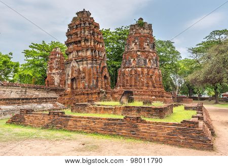 leaning towers stupa of Wat mahathat at Ayutthaya thailand