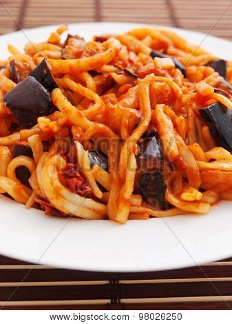 Pasta Collection - Linguine With Eggplant And Dried Tomatos