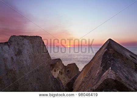 Sunset between the rocks