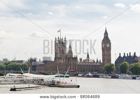 England, London - Big Ben, the Houses of Parliament in London city
