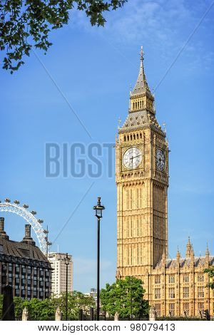 Big Ben - Elizabeth Tower In London