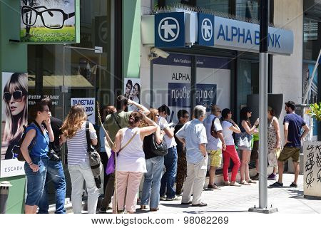 Line Of People Atm Cashpoint