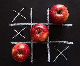 picture of tic  - Apples win - JPG