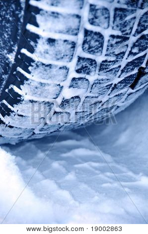 Winter tyre snow performance
