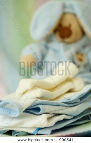 Постер, плакат: Одежда для новорожденных, холст на подрамнике