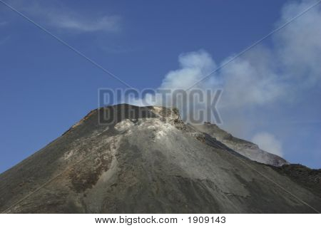 Volcano Eurpting1