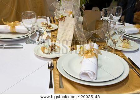 Mesa para una cena de boda