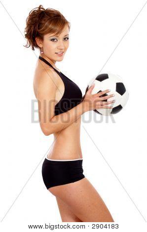 Mode Mädchen mit einem Fußball