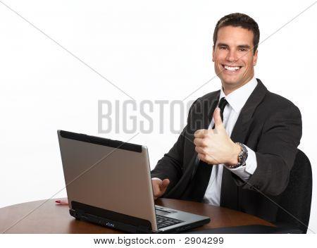 Kaufmann mit laptop