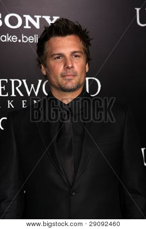 LOS ANGELES - JAN 19:  Len Wiseman arrives at  the