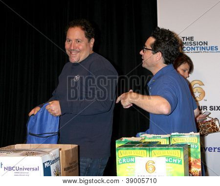 LOS ANGELES - NOV 9:  Jon Favreau, JJ Abrams at the Veterans Day Service Event to feed LA Children at Globe Theater at Universal Studios on November 9, 2012 in Los Angeles, CA