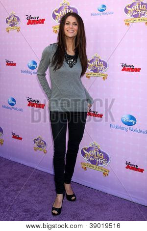 LOS ANGELES - NOV 10:  Samantha Harris arrives at the