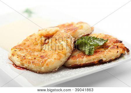 Syrniki - Fried Quark Pancakes