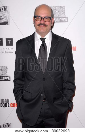 LOS ANGELES - 15 de NOV: David Cross chega para o 26 American Cinematheque Award honrando Ben Sti