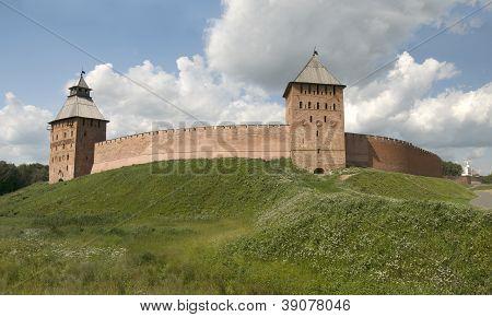 Veliky Novgorod Kremlin. Dvortsovaya And The Spasskaya Tower