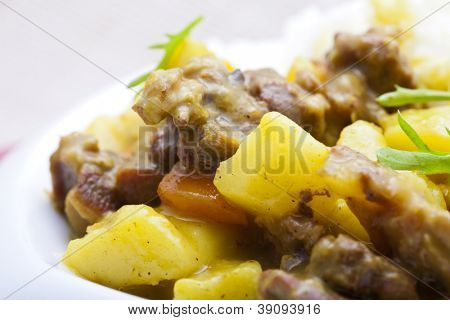 Curry beef and vegetable