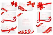 Set of gift card notes with red bows with ribbons. Vector illustration.