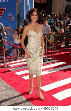 LOS ANGELES - AUG 5:  Teri Hatcher arrives at the