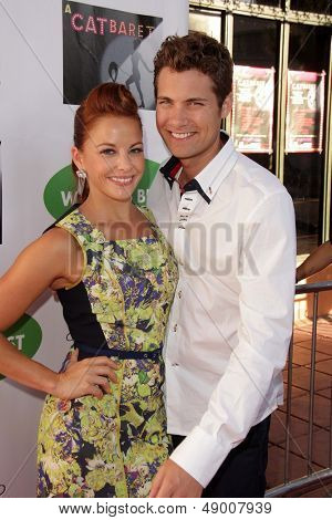 LOS ANGELES - AUG 4:  Amy Paffrath, Drew Seeley arrives at L.A.'s Feline Rescue Center's